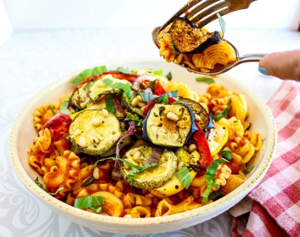 Pasta with marinara sauce and grilled vegetables